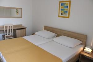 Hotel Medena standard park (13)