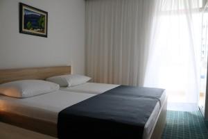 Hotel Medena standard park (2)